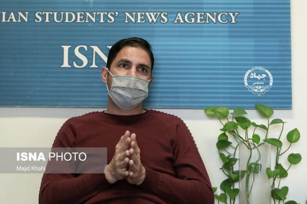 هاشمیان: می خواستم بروم چون انگ کم کاری می زدند، 20 ماه است پول نگرفته ام، با قلبم کار می کنم