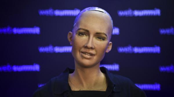 مشارکت روبات سوفیا در یک پروژه موسیقی