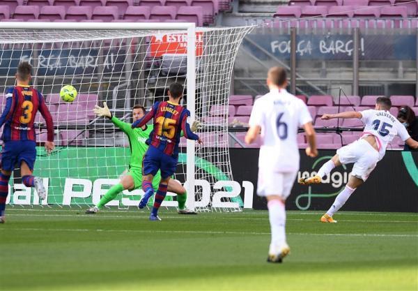 فهرست بازیکنان رئال مادرید و بارسلونا برای ال کلاسیکو، غیبت قطعی ازار و بازگشت پیکه